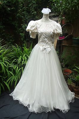 Divine Original/1980's STUNNING Vintage Wedding Dress.Size 6.Victorian/Edwardian