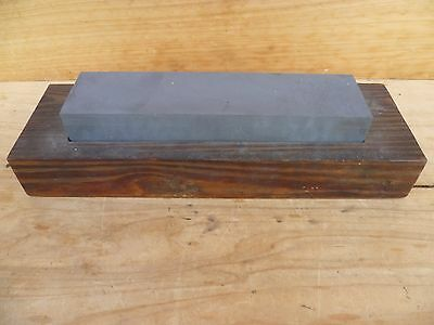 Vintage Old Large Size Sharpening Stone & Timber Base, Old Stone (D232)