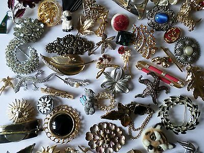Job lot - 57 assorted vintage and modern brooches