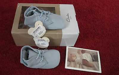 Brand New In Box Clarks Baby Crib Warm Shoes Age 6-9 Months In Pale Blue