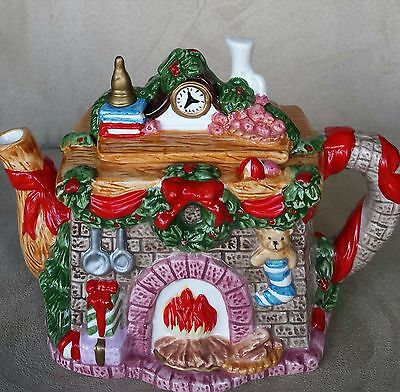 Vintage Ceramic Teapot Christmas Fireplace And Mantel Trimmings Holly &Toys 1996