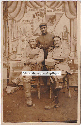CPA carte photo. RARE. OFFICIERS GRECS ou ARMÉE D'ORIENT, 1919. Militaria.