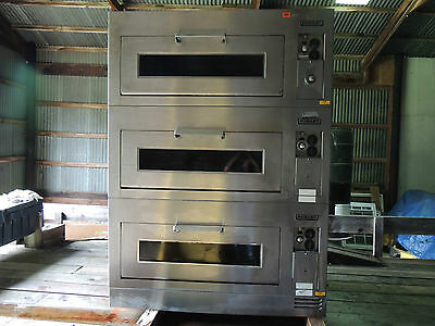 Hobart CN50 Electric Triple Deck Pizza Oven. PICK-UP