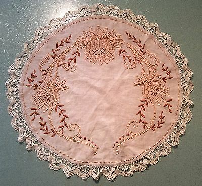 "Arts and Crafts Embroidered Round Linen Table Cover 25"" Bobbin Lace Topper"