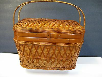 Vintage CHILD SIZE Small Wicker Reed Picnic Basket w/ Swing Handle  NICE