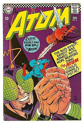 Atom 26   Two-page pin-up