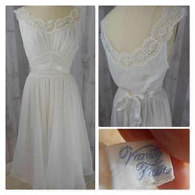 1960s Vintage Vanity Fair NEGLIGEE/NIGHTGOWN~White Chiffon LINGERIE BABYDOLL 34