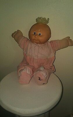 VINTAGE CABBAGE PATCH DOLL PREEMIE Paci, Blonde Tuft/Brown Eyes + CPK Outfit