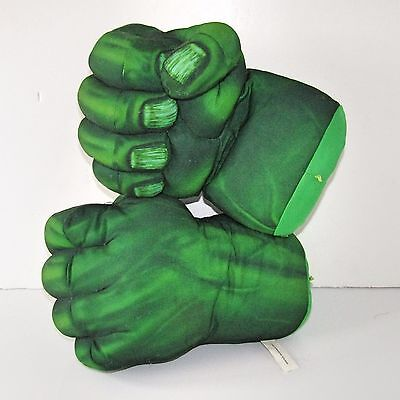 Marvel Incredible Hulk Smash Fists Talking Hands   (Electronic Soft Toy)