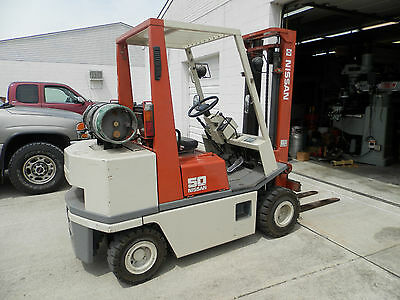 Nissan 50 Forklift  Immaculet Pristine Condition LOW HOURS New Solid Tires