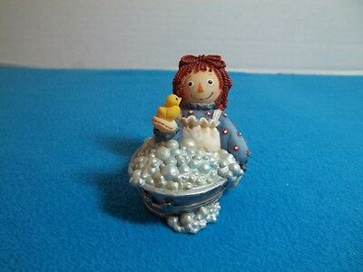 Enesco Raggedy Ann Figurine VG Cond. #544922 Friends Like You...Ducky-Retired