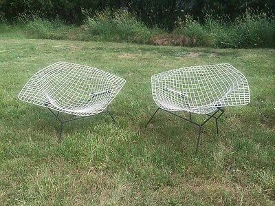 Harry Bertoia Authentique paire de Fauteuils Diamond Large