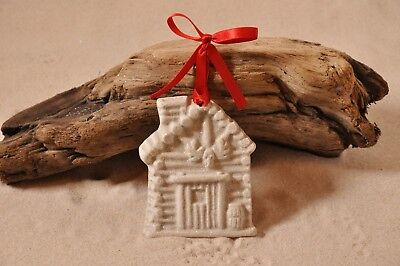 LOG CABIN Made with Sand Tropical Beach Ornament
