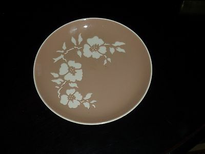 Vintage Tan White Harkerware Oven Proof Plate USA Flowers