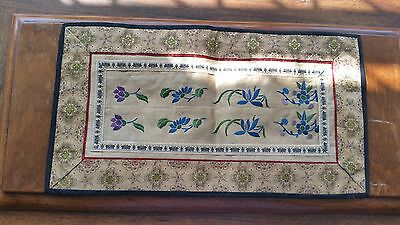 Antique Chinese Hand Embroidery Silk Wall Hanging Tapestry Panel Table Serveware