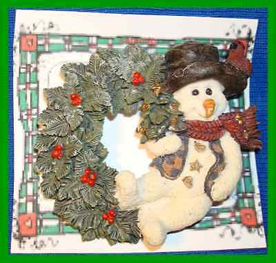 Christmas PIN #0263 Boyds Bear & Friends Snowman Willie wEvergreen Wreath Brooch