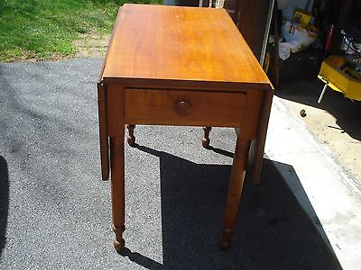 Antique Solid Walnut Double Drop Leaf Table 36 X 46 Open