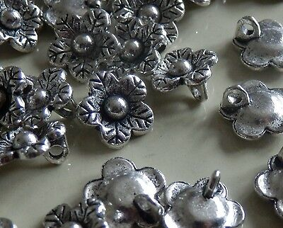 * 40 *.Flower charms.12mm.Vintage bright silver colour metal beads.2mm Hanger