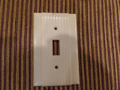 Vintage Single Gang Bakelite Ivory Ribbed  Switch Plate Cover Deco Mid Century