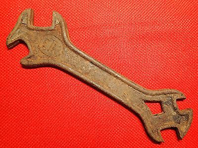 ANTIQUE VINTAGE UNUSUAL early 1900 STEAM ENGINE CAST METAL WRENCH marked ETK