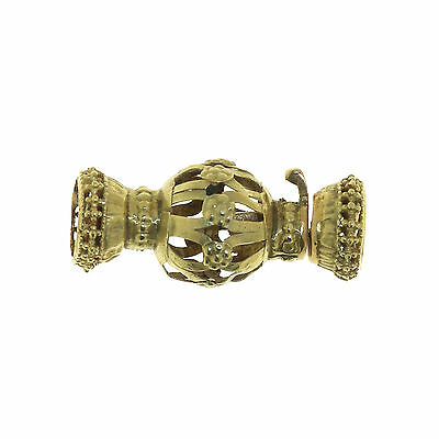(1581)Antique gold clasp.