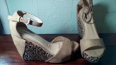 "Lady Godiva Women's LEOPARD PRINT Suede 5"" Wedge ankle Strap Sandals Shoes SZ 8"