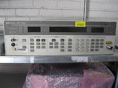HP/Agilent 8657B Synthesized Signal Generator,100 kHz to 2060 MHz