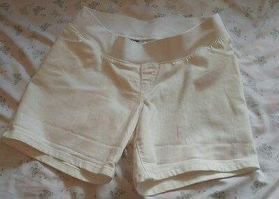 Nwt Liz Lange Women's White Maternity Jean Shorts SZ medium underbelly