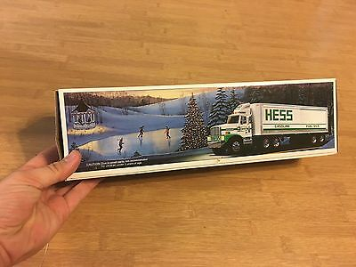 1987 HESS TOY TRUCK BANK New in Box
