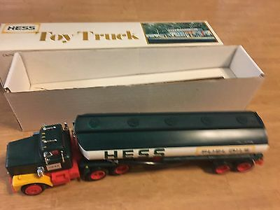 Vintage 1978 Hess Tanker Truck in Box Card & Inserts