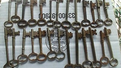 26 Early skeleton keys for Hardware door locks