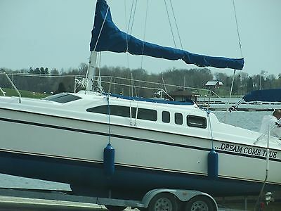 1997 26' Hunter Sailboat With Trailer And 8 Hp Tohatsu Outboard Motor