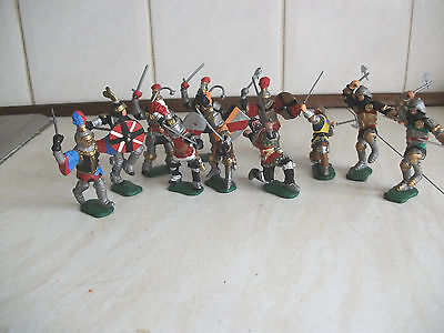 Job Lot Of 11 Modern Timpo Toy Soldiers Knights 1.32 Scale