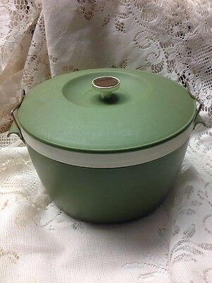 Vintage Mid-Century Green Plastic Ice Bucket/hot-Cold Royal Satin Therm-O-Ware
