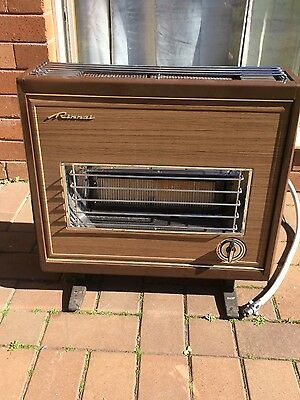 Great condition Rinnai Gas Heater R62S pickup Caringbah NSW 2229