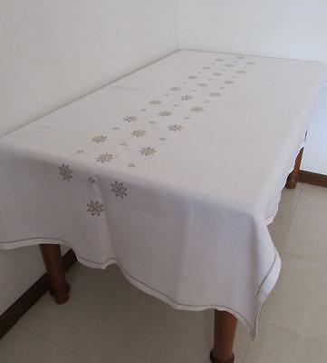 Divine Vintage 1962 Large Banquet TABLECLOTH Hand Embroidered