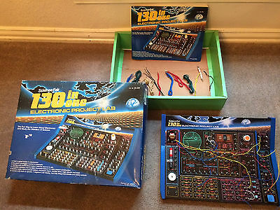 """Summer fun! 130 In 1 ELECTRONIC PROJECT LAB """"Science Fair"""" w/ Book (Radio Shack)"""