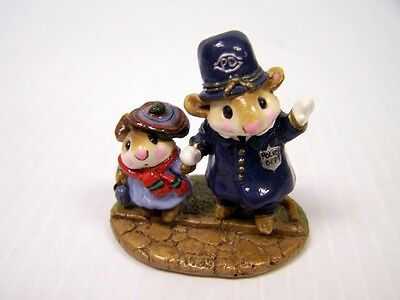 "Wee Forest Folk LTD-02 ""Helping Hand""  LIMITED EDITION - Retired 1985 *Free S&H*"