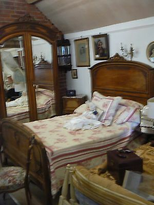 Stunning Carved Quality Solid Walnut 3 Pc Bedroom Suite Bed Armoire Bedside