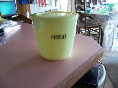 McKee jadite 48 oz cereal canister with lid
