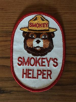 1983 Smokey the Bear Forest Service Fire COLLECTIBLE Patch SMOKEY'S HELPER