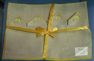 Set of Four VICTORY Vintage Placemats and Napkins - yellow flowers - Unused