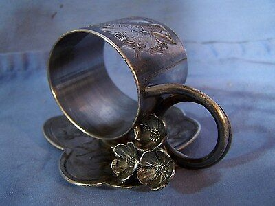 Antique 19thC Victorian Figural Quad Silverplate Large Napkin Ring w/ FLOWERS