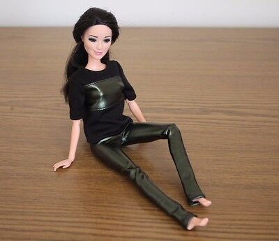 Clothes for Barbie Doll. T-Shirt and Metallic Green Leggings for Dolls.