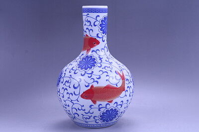 Exquisite chinese painting fish porcelain Vase qianlong  mark hp7