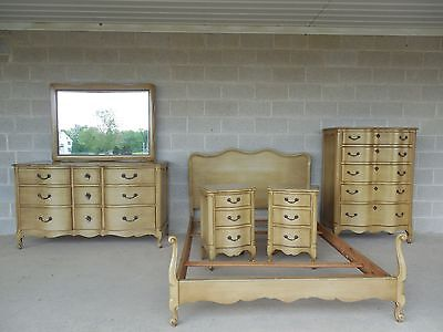 Huntley Furniture 6 Piece French Louis XV Style Full Size Bedroom Set