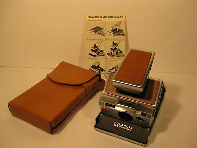 Polaroid SX70 Land Camera With Booklet & Case