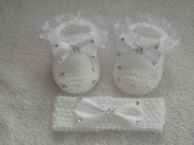 ❤ HAND KNITTED BABY GIRLS white lace booties and headband set. Newborn