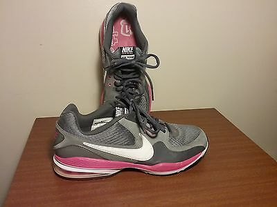 Women's Sneakers Nike Air team training shoes size 9
