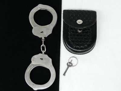 Vintage PIC Handcuffs Made in Spain Police Security Safariland 90 Cuff Case Key